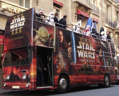 Marquage total covering sur un bus double étage anglais pour une opération de street marketing.
