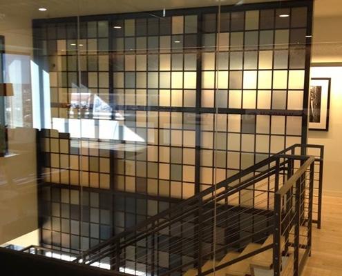 Adhésif pour décoration, agencement et design d'intérieur sur vitre ou support mural.