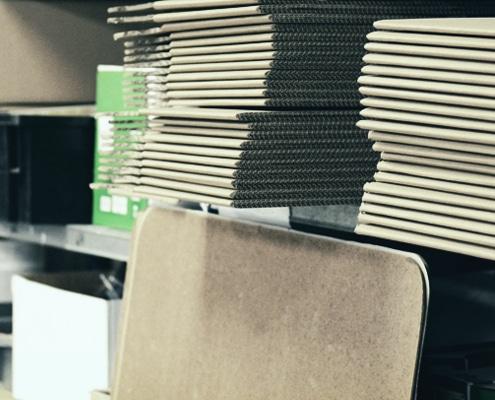 Emballage et expédition de lettrage adhésif et d'impression numérique dans toute la France.