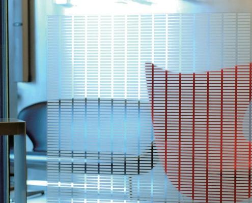 Fourniture et pose de film adhésif design pour vitre et vitrage.