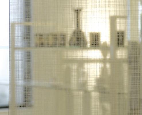 Adhésif architectural Fasara de 3M pour un habillage design de vitres et parois vitrées.
