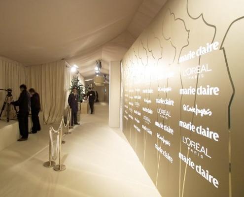 Habillage mural avec adhésif événementiel ou papier peint enlevable pour événements.