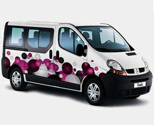 Impression et pose de marquage adhésif sur minibus, bus ou car.