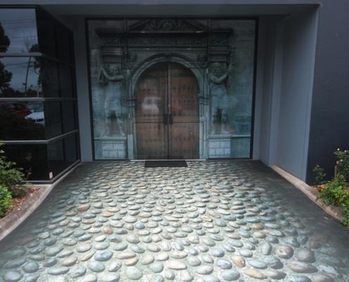 Impression sur adhésif sol pour communication au sol avec une lamination floor.